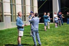 Lernen, eine Fliegen-Linie zu werfen Stockfoto