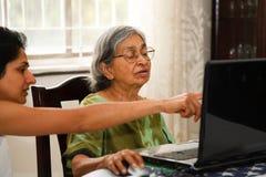 Lernen, Internet zu surfen Lizenzfreies Stockbild
