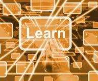 Lernen Sie den Computer-Knopf, der Illustration 3d online lernen zeigt lizenzfreie stockfotos