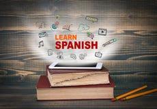 Lernen Sie Spanisch, Bildung und Geschäftshintergrund lizenzfreie stockfotos