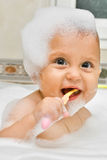 Lernen, wie man meine Zähne putzt Lizenzfreies Stockfoto