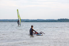 Lernen windsurf Stockfotos