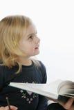 lerning的女孩 免版税库存照片