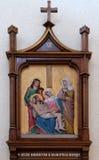 les 13èmes stations de la croix, corps de ` de Jésus est enlevées de la croix Photographie stock libre de droits