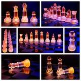Les échecs en verre sur un échiquier se sont allumés par une lumière bleue et orange Photos stock