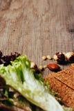 Les écrous et les verts sèchent, panent, des biscuits, biscuit, croquant image libre de droits