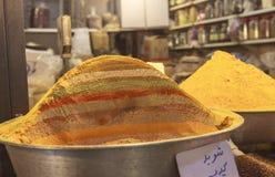 Les épices lancent sur le marché dans le bazar grand, Téhéran Photos libres de droits