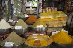 Les épices lancent sur le marché dans le bazar grand, Téhéran Images stock