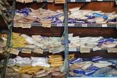 Les épices thaïlandaises à vendre sur le marché en plein air cale photographie stock libre de droits