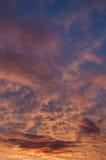 Les étés sont coucher du soleil chaud et beau Image stock