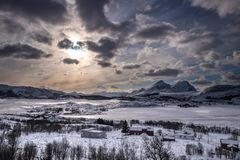 Les îles de Lofoten aménagent en parc chez Vestagoy photographie stock libre de droits