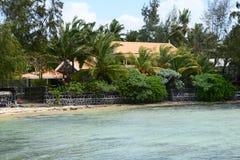Les Îles Maurice, village pittoresque de Roches Noires Photographie stock libre de droits