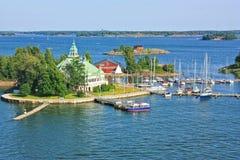 Les îles s'approchent de Helsinki en Finlande Image libre de droits