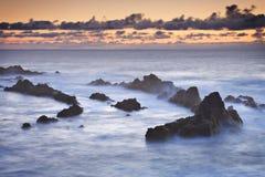 Les Açores : Coucher du soleil dans Mosteiros Images libres de droits