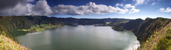 Les Açores : Panorama de lac crater Photos stock
