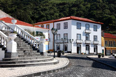 Les Açores, sao Jorge, Velas, escaliers au shoppingstreet Images stock