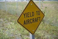 Les aéronefs ont le droit de passage Images libres de droits