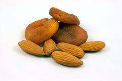 Les abricots ont séché normal et des amandes Photos stock