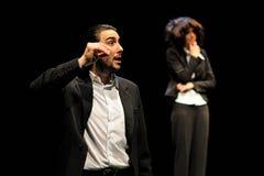Les acteurs se sont habillés dans l'exécutif de l'institut de théâtre de Barcelone images libres de droits