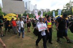 Les activistes 2015 de Hong Kong marchent en avant du vote sur le paquet électoral Image libre de droits