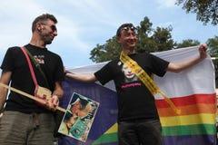 Les activistes homosexuels protestent contre les anti lois gaies russes photographie stock