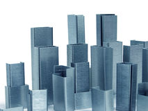 Les agrafes arrange comme gratte-ciel image libre de droits