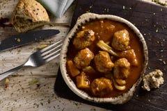Les albondigas espagnols escroquent la sépia, boulettes de viande avec des seiches Images stock