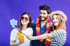Les amis fait Selfie Photo libre de droits