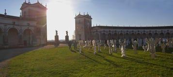 Les anges chantent en choeur - la villa Manin, Italie (le panorama) Images stock