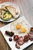 Les anglais anglais traditionnels ont fait frire le petit déjeuner avec le lard d'oeufs et Photographie stock