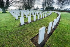 Les Anglais et cimetière de guerre de Commonwealth à Bayeux, France photographie stock libre de droits