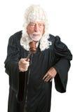 Les Anglais jugent avec la perruque - fâché Images stock