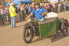 Les années 40 de cru de vélo de moteur de BSA et de véhicule latéral. Photo stock