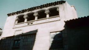 les années 1960, Barcelone, Espagne : Musée espagnol de ville à Barcelone, Catalogne, Poble Espanyol banque de vidéos
