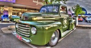 Les années 1950 classiques U Camion pick-up de Ford d'armée de S Photographie stock libre de droits