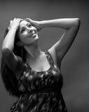 Les années 20 modèles hispaniques minces d'In Image stock