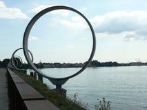 Les anneaux de Daniel Buren sur le dock de Nantes images libres de droits