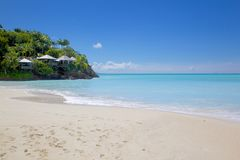 Les Antilles, les Caraïbe, Antigua, St Mary, Jolly Harbour, plage Photo stock