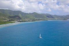 Les Antilles, les Caraïbe, Antigua, vue au-dessus de côte sud Image stock