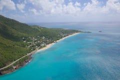 Les Antilles, les Caraïbe, Antigua, vue au-dessus de plage de tourneurs Photographie stock libre de droits