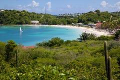 Les Antilles, les Caraïbe, l'Antigua, la longue baie, la vue de la longue baie et la plage Photo libre de droits