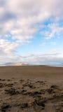 Les arêtes éloignées couvrent le lac photos libres de droits