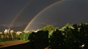 Les arcs-en-ciel étonnants Photographie stock libre de droits