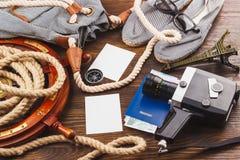 Les articles des vacances sur le fond en bois Photographie stock