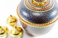 Les articles en céramique thaïlandais handcraft la cuvette photos stock