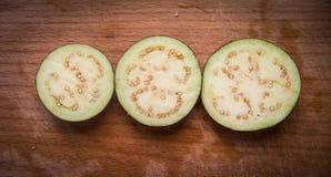 Les aubergines coupées en tranches Photo libre de droits