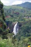 Les automnes de rue Clair est la cascade à écriture ligne par ligne la plus large au Sri Lanka Photo stock
