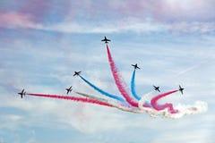 Les avions à réaction rouges de l'Armée de l'Air des flèches RAF Photo stock