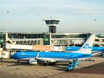 Les avions de KLM à l'aéroport de Schiphol, Amsterdam, Pays-Bas Photo stock