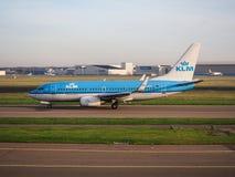 Les avions de KLM à l'aéroport de Schiphol, Amsterdam, Pays-Bas Photo libre de droits